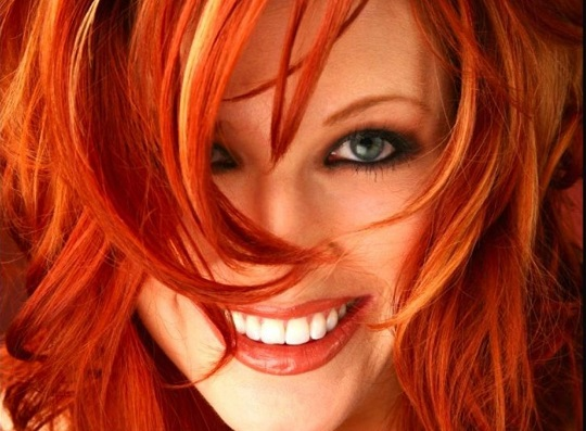 women_redheads_faces_1024x768_wallpaper_Wallpaper HD_2560x1920_www.paperhi.com
