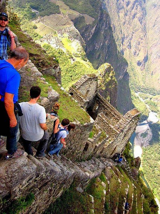 Crazy-Scary-Photo-of-The-Almost-Vertical-Stairs-at-Machu-Pic