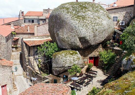 Monsanto-a-town-built-among-boulders-in-Mt