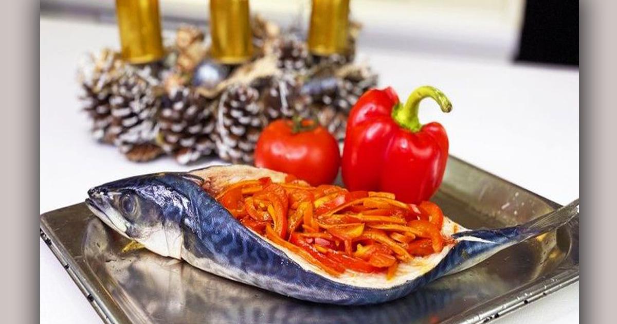 Запеченная cкумбрия в духовке с овощами за 20 минут - очень вкусно