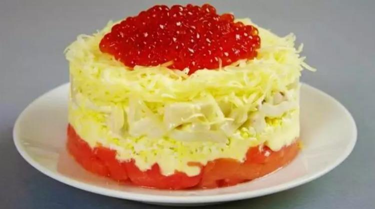 Шикарний салат «Ситий Боцман» на святковий стіл. Новорічний рецепт!