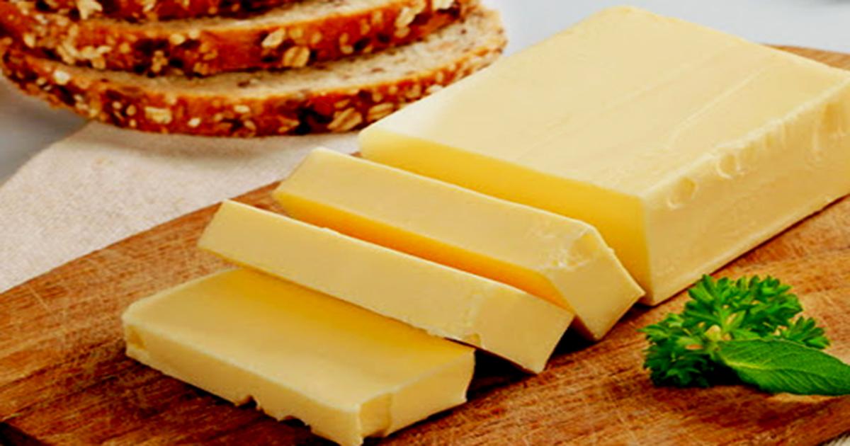 «Масло несливочное». Пищевой технолог рассказал, как определить качество сливочного масла