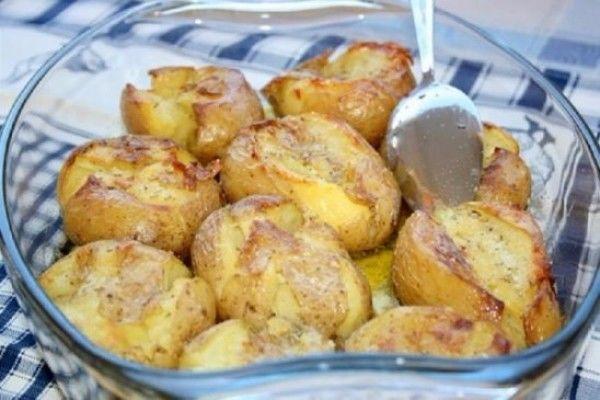 Очень вкусный и ароматный картофель, запеченный по-португальски!
