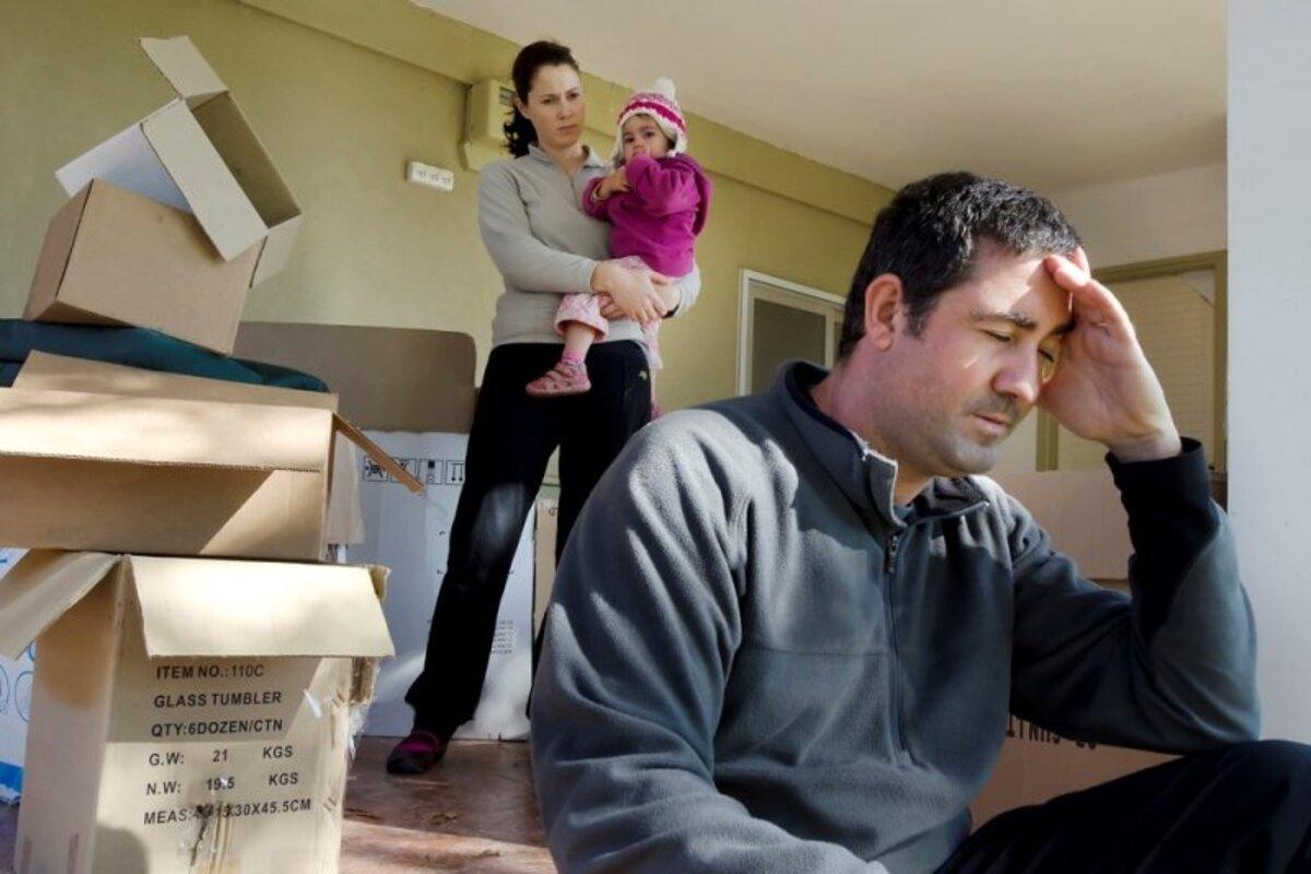 Бывшая мужа оказалась кукушкой и приволокла в дом годовалого ребенка