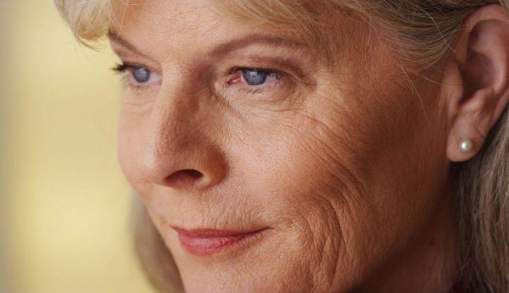 Женщины за 50 стремятся спать одни, даже если они в браке, почему?